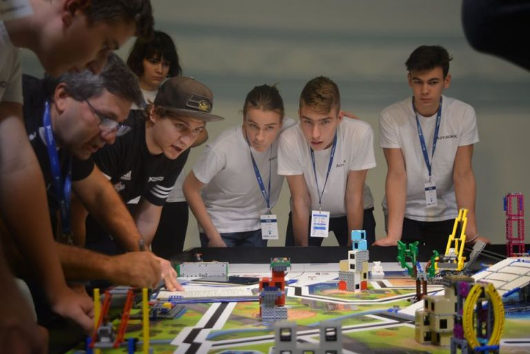 FLL (First Lego League) Robotverseny - Debrecen
